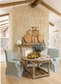 Kate dining chair and vintage bread boards by Giannetti Home #giannettihome #patinafarm