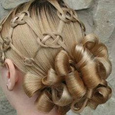 Celtic knotted hair- stunning! How's she going to sleep tonight?