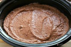 This Slow Cooker Refried Beans recipe is so easy to make! It's the perfect addition to - or side dish for - all of your Mexican dishes. Slow Cooker Refried Beans --- PIN THIS RECIPE --- Refried Beans Slow Cooker, Mexican Side Dishes, Always Hungry, Bean Recipes, Slow Cooker Recipes, Baked Goods, Bar Food, Taco Bar, Meals