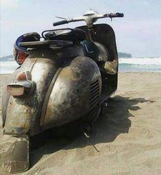 Vespa Bike, Vespa Scooters, Old Motorcycles, Old School, Harley Davidson, Vehicles, Vespas, Motorbikes, Places To Visit