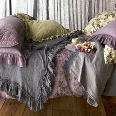 Bella Notte Linens Whisper Linen Bed Scarf I like blankets with ruffles! Shabby Chic Bed Linen, Shabby Chic Furniture, Luxury Furniture, Bed Scarf, Linens And Lace, Zara Home, My New Room, Beautiful Bedrooms, Home Interior