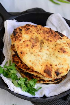 Make restaurant style Keema Naan at home using a tava/ griddle. Within minutes you can enjoy the tastiest Naan ever. Use this perfect Keema Naan Recipe. Nann Bread Recipe, Recipes With Naan Bread, Chapati Recipes, Keema Recipes, Nan Recipe, Grazing Food, Indian Food Recipes, Ethnic Recipes, Kitchens