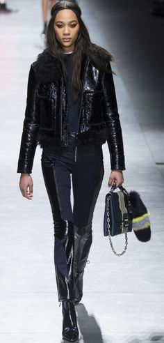 Versace Fall 2016 Ready to Wear