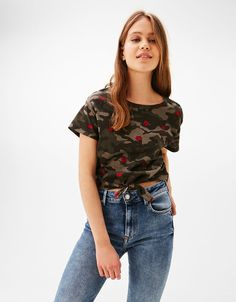 Discover the latest trends in Tees with Bershka. Log in now and find 336 Tees and new products every week