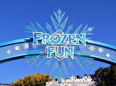 """Disfruta de """"Frozen Fun"""" en Disney California Adventure, es por tiempo limitado! Disney California Adventure, Disneyland, Frozen, Neon Signs, Fun, Parks, Disney Land, Disney Resorts, Lol"""