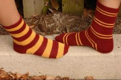 Most recent Photographs knitting projects harry potter Thoughts Harry Potter House Socks Knitting Blogs, Knitting Socks, Knitting Patterns Free, Knitting Projects, Knitting Ideas, Knit Socks, Knitting Charts, Crochet Patterns, Harry Potter Charms