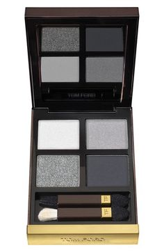 Eyeshadow quad. Perfect for traveling.