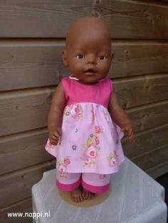 BabyBorn 43cm: zomerse set: jurkje en driekwartbroek, patroon Christel Dekker Nappi.nl