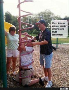 Wenn Männer spielen, passiert immer irgend etwas Schlimmes!   Lustige Bilder, Sprüche, Witze, echt lustig
