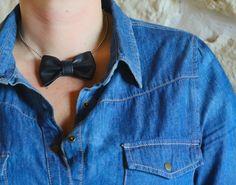 Collier+bow+en+cuir+noir+monté+sur+chaine+boule