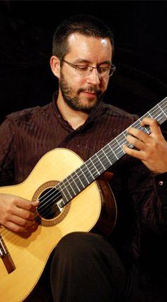 """Conciertos en Almuñécar 2012  DÚO """"GUITARNET"""": CARLOS MIGUEL LEÓN (guitarra)"""
