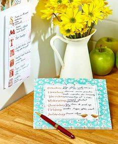 Easily remember everything that's on your plate with this Weekly Desk Planner and Magnetic List Pad Set. The weekly planner doubles as a mouse pad, while the li