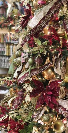 Best Indoor Garden Ideas for 2020 - Modern Victorian Christmas Decorations, Victorian Christmas Tree, Gold Christmas Tree, Christmas Decorations For The Home, Beautiful Christmas Trees, Christmas Ribbon, Xmas Tree, Christmas 2019, All Things Christmas