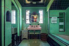 Green and black bathroom in historic Spanish villa known as the John Anson Ford Residence Villas, Reclaimed Wood Mirror, Art Deco Bathroom, Bathroom Ideas, Shower Ideas, Vintage Bathrooms, 1930s Bathroom, Tiled Bathrooms, Modern Bathrooms