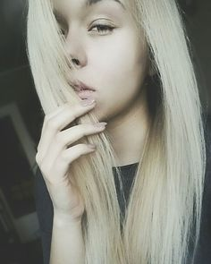 Oh Monday!  . . .  _________  #polishgirl #girly #trexarms #model #blondehair #fashionblogger #pretty #nomakeup