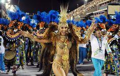 Sabrina Sato, rainha de bateria da Vila Isabel, samba no desfile das campeãs do Rio.