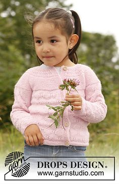 """Illy - Knitted DROPS jacket with round yoke and lace pattern in """"BabyAlpaca Silk"""". - Free pattern by DROPS Design Baby Knitting Patterns, Baby Cardigan Knitting Pattern Free, Knitting For Kids, Easy Knitting, Crochet For Kids, Knitting Projects, Knit Cardigan, Drops Design, Girls Sweaters"""