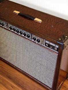 Customized Vintage Roland JC-120 Jazz Chorus Guitar Combo Diy Guitar Amp, Guitar Cabinet, Valve Amplifier, Guitar Accessories, Guitar Parts, Pedalboard, Custom Guitars, Diy Cabinets, Vintage Guitars