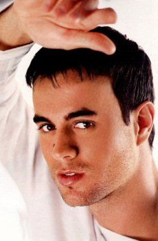 Your eyes just went through my soul and touched my heart. It travelled deep and far into my body, soul, spirit and heart. I love that feeling and I will always be there for you. Love Rap, My Love, Free Internet Radio, R&b Soul, Enrique Iglesias, Music Icon, My Prince, Music Lovers, Gorgeous Men