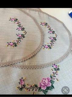 Cross Stitch Bird, Cross Stitch Designs, Cross Stitching, Embroidery Flowers Pattern, Flower Patterns, Crochet Bedspread, Embroidery Fashion, Handicraft, Peacock