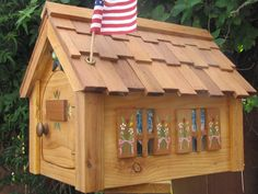 Cedar wood Mailbox made by Mailmansions by MailmansionsAndMore