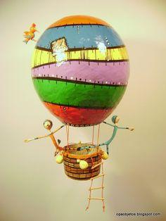 Kolorowy balon z paper mache. Paper Mache Projects, Paper Mache Crafts, Art Projects, Balloon Rides, Hot Air Balloon, Diy Paper, Paper Art, Origami, Paper Mache Sculpture