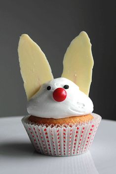 Orange Cranberry Bundt Cake - Oh Sweet Day! Lamb Cupcakes, Easter Bunny Cupcakes, Cupcake Recipes, Cupcake Cakes, Bunny Rolls, Bunny Bread, Easter Appetizers, Sweetest Day, Vanilla Cupcakes