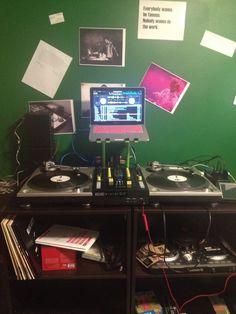Serato DJ, technics turntables and NI Z1 setup