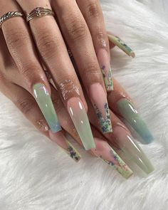 Let's check our most stylish coffin nail library together, and in 2020 we will discover more fashionable coffin nail ideas together. Bling Acrylic Nails, Best Acrylic Nails, Acrylic Nails Green, Coffin Acrylic Nails, Pastel Nails, Edgy Nails, Stylish Nails, Grunge Nails, Gorgeous Nails