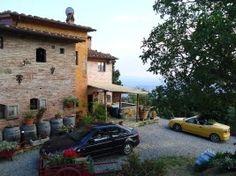 Toscane - Gli Asini Felici, ecologisch & kleinschalig, op berg met uitzicht op mooie vallei, appartementen en safaritenten. Beetje hippie achting met veel ezels en andere dieren, enigszins basic maar wel authentiek en leuk voor kids.