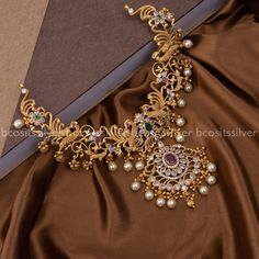 Stone And Pearls Gold Plated Silver Necklace ~ South India Jewels Pearl Necklace Designs, Gold Earrings Designs, Gold Jewellery Design, Gold Jewelry, Indian Bridal Jewelry Sets, Bridal Jewellery, Gold Necklace Simple, Necklace Set, Gold Set Design
