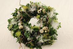 Österlicher Türkranz von Blickfang auf DaWanda.com Diys, Christmas Wreaths, Floral Wreath, Holiday Decor, Spring, Easter Activities, Ideas, Floral Crown, Bricolage