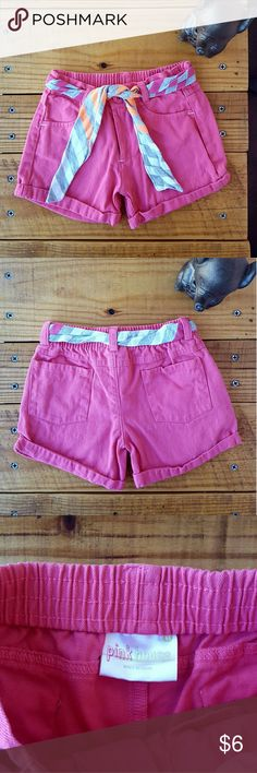 4T PINK PINK HOUSE SHORTS *pink shorts *size 4t *adorable belt tie *2 back pockets and 2 front pockets Pink House Bottoms Shorts