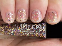 Paris — It Girl: Multidimensional holographic glitter top coat