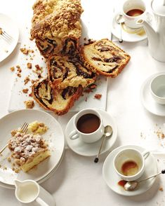Christmas Breakfast Recipes That Will Make for a Merry Holiday Morning Chocolate Cake With Coffee, Coffee Cake, Christmas Brunch, Christmas Breakfast, Christmas Morning, Breakfast Dishes, Breakfast Recipes, Brunch Recipes, Cake Recipes