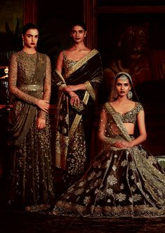 FIRDAUS by Sabyasachi Photography: Tarun Khiwal Models: Archana Akhil Kumar, Vishakha Bharadwaj & Rasika Navare Indian Bridal Fashion, Indian Wedding Outfits, Bridal Outfits, Indian Outfits, Bridal Dresses, Pakistani Dresses, Indian Dresses, Pakistani Mehndi, India Fashion
