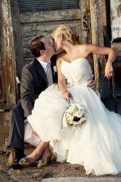 Lovely Yellow & Grey Wedding Inspiration | Wedding Obsession - Canadian Blog