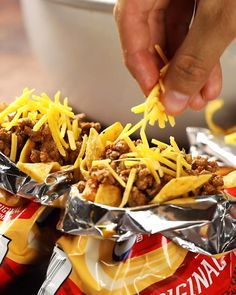 A frito chili pie worthy of friday night lights. Easy Pie Recipes, Light Recipes, Mexican Food Recipes, Mexican Dishes, Ground Beef Recipes For Dinner, Best Dinner Recipes, Frito Pie, Frito Chili, Frito Recipe