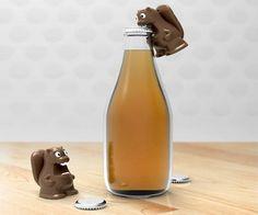 Beaver Bottle Opener / The Beaver Bottle Opener from Kikkerland Design is a cute and efficient bottle opener. http://thegadgetflow.com/portfolio/beaver-bottle-opener/