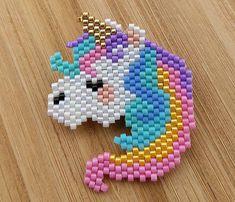 Pony Bead Patterns, Beaded Jewelry Patterns, Peyote Patterns, Beading Patterns, Unicorn Cross Stitch Pattern, Beading For Kids, Beaded Banners, Native Beadwork, Beaded Animals