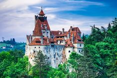 Plan One Of The Ultimate Romania Tours With Your Beloved Ones! Visiting Romania is nothing less than an achievement. Vlad El Empalador, Cheap Countries To Travel, Visit Romania, Paint By Number Kits, Barcelona Cathedral, Acrylic Paint Set, Tourism, Around The Worlds, Culture