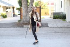 Espadrilles and Leather - Carrie Bradshaw Lied