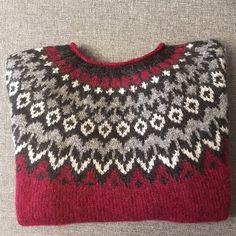 Knitting Yarn, Knitting Patterns, Icelandic Sweaters, Handicraft, Yarns, Christmas Sweaters, Arts And Crafts, Plaid, Stitch