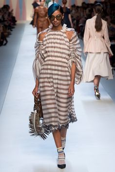 The complete Fendi Spring 2018 Ready-to-Wear fashion show now on Vogue Runway.