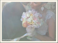Bridal bouquets with silk flowers זרי כלה מעוצבים ב