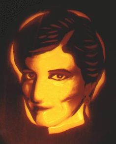 halloween pumpkin carving of Diana [truly amazing!]