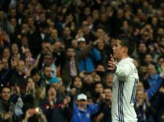 Post by James Rodríguez - Felicidad James Rodriguez, Bbc, Bernabeu, Cristiano, Soccer Players, Real Madrid, Manchester, Husband, Football