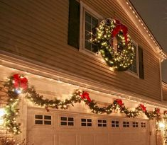 35 beautiful christmas decorations outdoor lights ideas 16 19 holiday lights tips to make christmas easier Exterior Christmas Lights, Christmas Lights Outside, Outside Christmas Decorations, Beautiful Christmas Decorations, Christmas Porch, Christmas Time Is Here, Noel Christmas, Holiday Lights, Outdoor Decorations