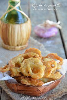 Cipolle in pastella asciutte e croccanti Italian Dishes, Italian Recipes, Vegan Recipes, Snack Recipes, Cooking Recipes, Snacks, Finger Food Appetizers, Finger Foods, Italian Street Food