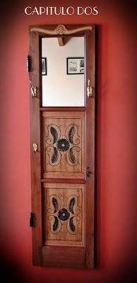Capitulo Dos: De antigua ventana a elegante perchero... Recycled Door, Repurposed, Plant Decor, Door Handles, Decoupage, Recycling, Projects To Try, Home And Garden, Wall Decor